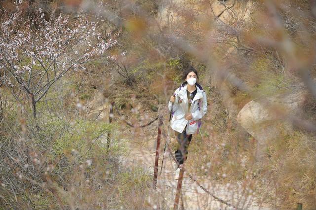 户外抗疫 东风悦达起亚品牌形象大使直播挑战徒步12公里穿越凤凰岭