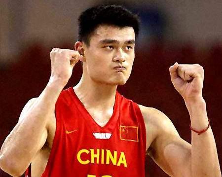 孙悦又引争议?入选NBA亚洲最强阵容 专家:阿联比他强多了
