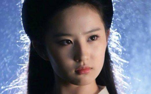 盘点眼睛好看女星,杨幂最深情,赵薇最水灵,而她的深邃勾人