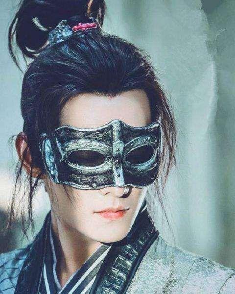 男星在影视剧中戴上面具:吴磊有少年侠气,朱一龙的惊艳